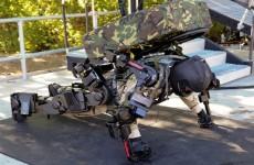 Raytheon Sarcos XOS 2: еще один экзоскелет для военных