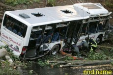 В Бразилии в реку упал автобус с инвалидами