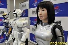 Китайские роботы играют на пианино и готовят в микроволновой печи
