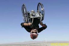 Впервые в мире, Аарон Фотерингем сделал двойное сальто на коляске