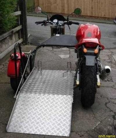 Одним из таких стал один англичанин, который приспособил Ducati 900 Monster под себя