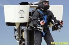 В США создан ранец, позволяющий человеку летать полчаса