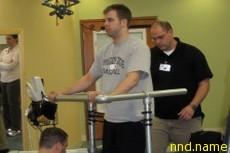 Американец Роб Саммерс - Хирурги вернули инвалиду способность стоять на ногах