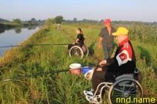 На Мозырщине, на берегу местной речки Барбаровский старик, прошёл туристический слёт для инвалидов-колясочников