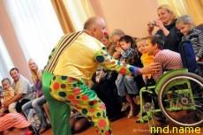 ссоциация больничных клоунов «Viviamo in Positivo» из итальянского города Модена