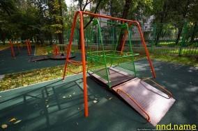 Это, наверное, единственная детская площадка для инвалидов в Москве