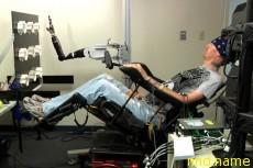 Управлять роборукой силой мысли