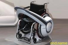 Устройство превращает кресло в электроколяску