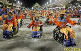 Колясочники на карнавале в Рио-де-Жанейро
