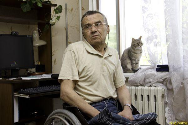 Петр Дурович вот уже год живет в компании с кошкой