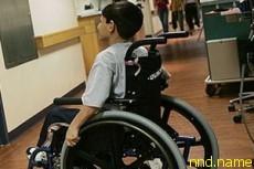 Школьник с инвалидностью встал на ноги на выпускном
