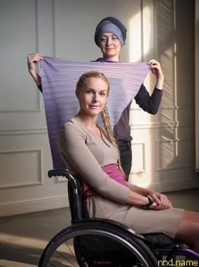 Яна Урусова, организатор Bezgraniz Couture, и Евгения Воскобойникова, лицо конкурса, ведущая телеканала «Дождь»