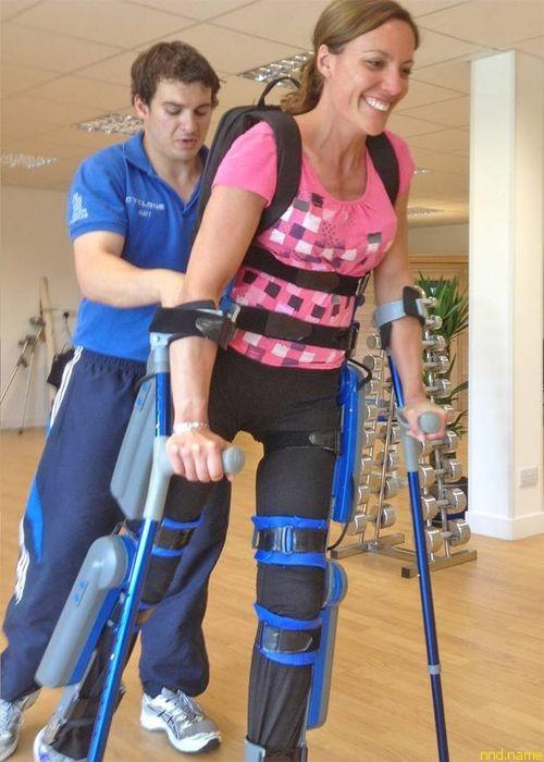 """""""Бионический скафандр"""", благодаря которому парализованная лыжница Джейн Сомерби, чемпионка Олимпиады в Ванкувере, снова научилась ходить"""