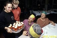 Добровольная помощь окружающим делает человека здоровее