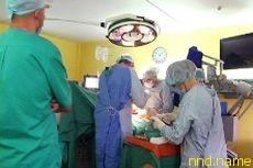 В Украине прооперировали ребенка больного сколиозом