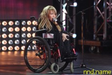 Пугачева взяла девушку в коляске на Фактор А