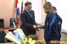 Мер города Березники подарил Владиславу Кричфалушаву планшетник