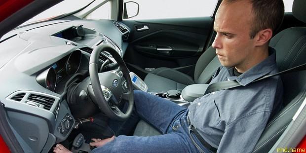 Испанец Дэвид Ривас стал первым водителем без рук в Европе