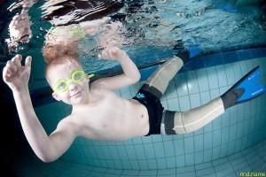 Маленький «ихтиандр» Киеран Келсо плавает лучше своих здоровых сверстников