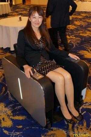 UNIMO - электроколяска в виде кресла