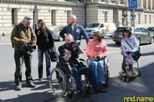 Туристам с ограниченными возможностями показали Петербург