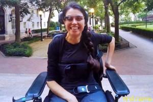 Очки Google Glass помогли парализованной девушке