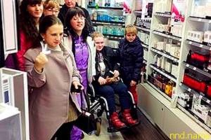 В Калининграде девушек-инвалидов вовлекли в самостоятельный шопинг