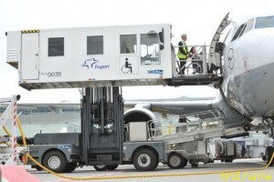 В хабаровском аэропорту появится амбулифт