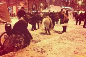 Колясочников вербуют на Евромайдан?