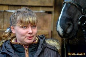 Анна Сушкевич занимается иппотерапией с детьми