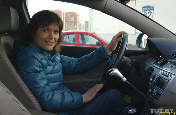 Людмила считает, что одними штрафами проблему парковки на местах для инвалидов не решишь - нужно менять менталитет людей.