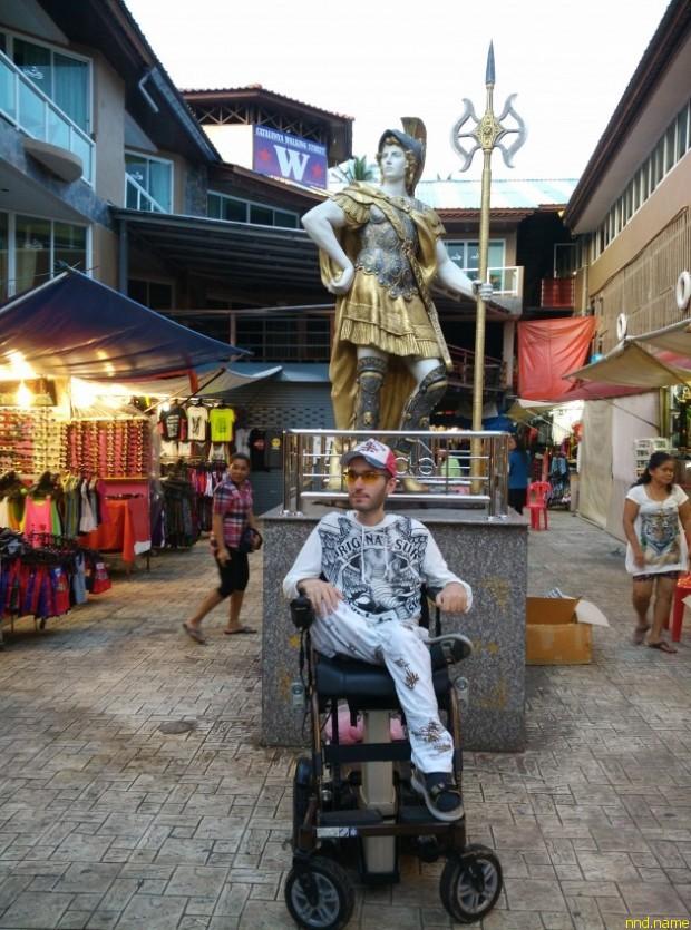 Александр Кроу: «Пять лет, проведённые в университете, не принесли никаких практических навыков»