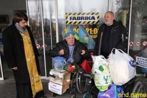 Херсонский волонтер-инвалид получил в подарок электроколяску