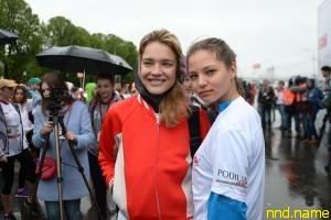 Наталья Водянова и модель Алеся Кафельникова