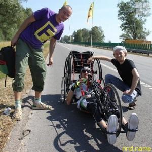На таком необычном велосипеде молодой человек проехал много километров от Лиды до Балтики