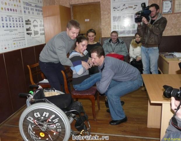 Бобруйских водителей автобусов приучают к колясочникам