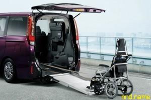 Минивэн Esquire от Toyota Motor – вариант для колясочников