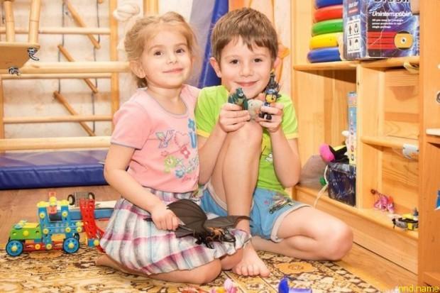 Сын Игнат (7 лет) и красавица дочка Марьяна (4 года)