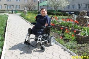 Александр Соломенник без рук и ног из Ставрополя получил две коляски