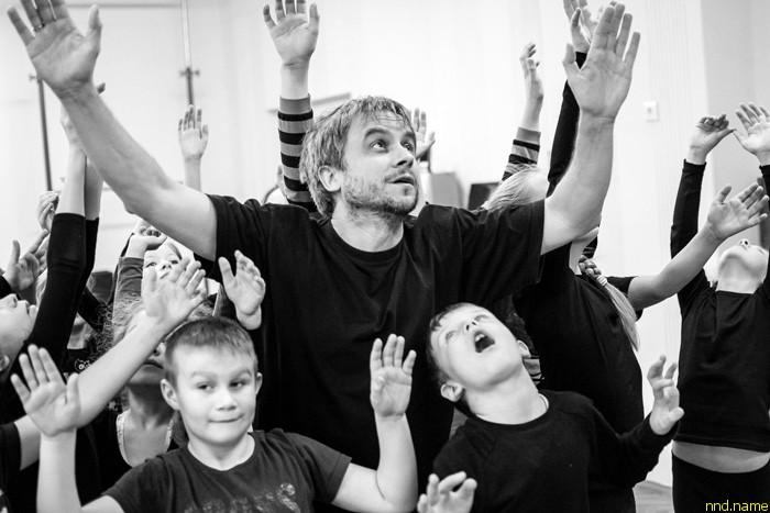 Арт-терапевт из Польши о лечении детей с инвалидностью театром