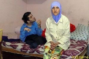 Инвалид, женившийся на своей сиделке, не хочет просить милостыню