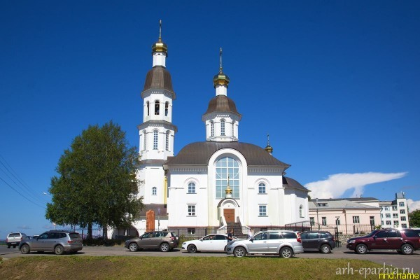 Первое в России Венчание человека в экзоскелете