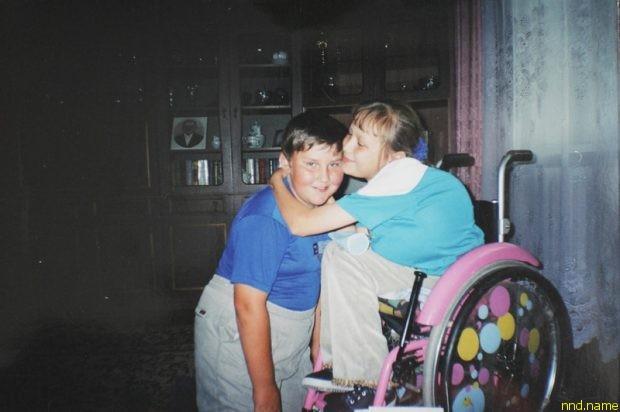 Настя с другом Денисом. С самого раннего детства друзья были вместе