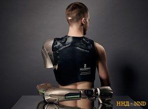 Бионический протез в стиле Metal Gear Solid