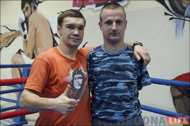 В «Бойцовский клуб» пришел боксер без рук