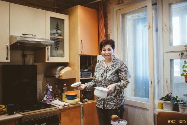 Ольга показывает Юлину кухню