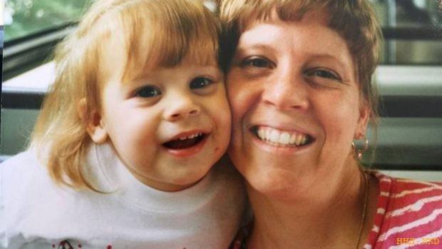 У матери Виктории - Мари Бет - также проявляется наследственное заболевание