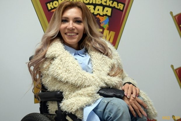 Елена Малышева пиарится на Юлии Самойловой