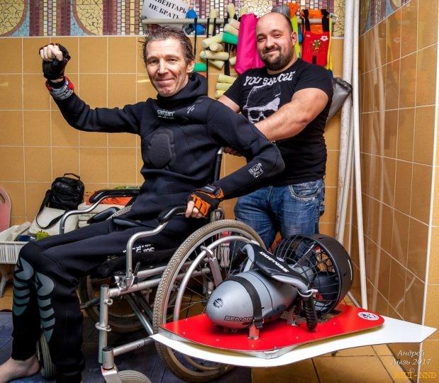 Игорь Скикевич и его плавучая коляска Барракуда