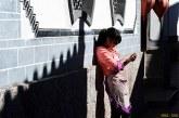 Травмировала позвоночник из-за пристрастия к смартфону